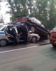 dtp-na-sluzhebnom-avtomobile3
