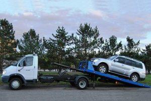 Что делать, если автомобиль повредили при эвакуации