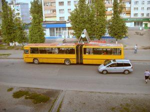 Штраф за обгон автобуса на остановке через сплошную