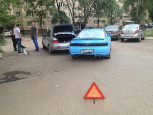 Как действовать, если задел машину во дворе