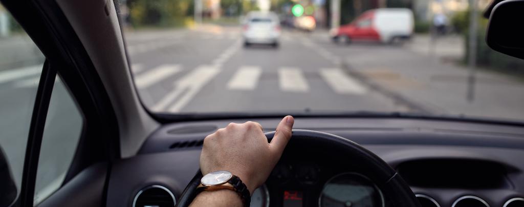 водитель перед переходом
