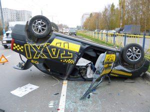 popal-v-dtp-na-taksi2