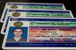 Как иностранцу получить российские водительские права