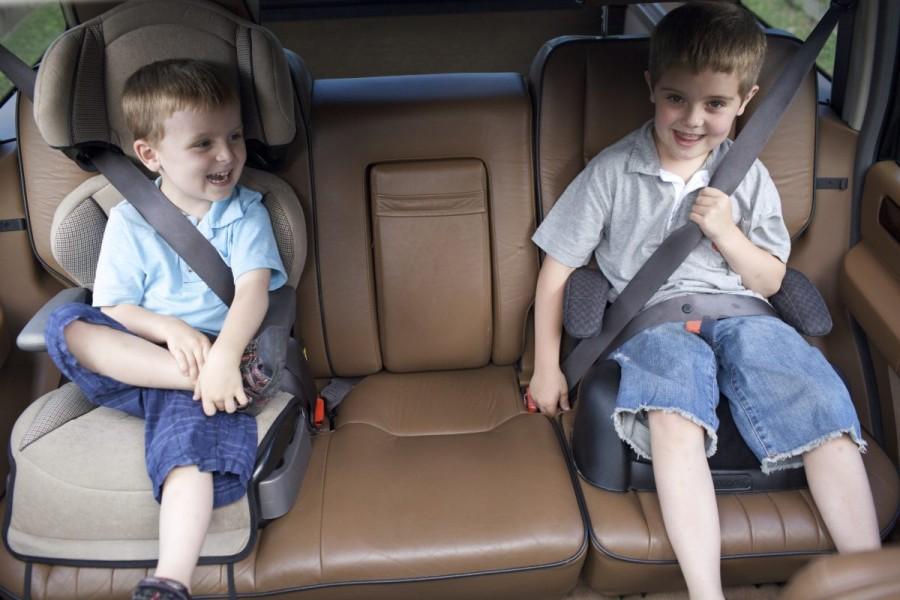 Перевозка ребенка в авто: как правильно?